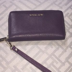 Michael Kors Wallet/Wristlet (Plum)